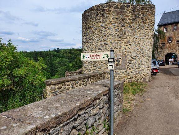 2020-07 Singles-unterwegs Bachtour Lauterbach Schloss Eisenbach